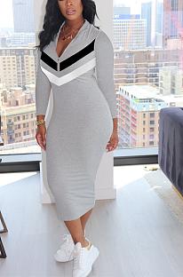 Lässiges sportliches langärmliges langes Kleid mit tiefem V-Ausschnitt OMM1162