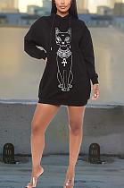 عارضة متواضعة سترة الكرتون الجرافيك هوديي كم طويل فستان ميدي AYS0016
