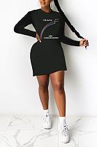 Mini-robe à manches longues et col rond avec lettre de style urbain SH7232