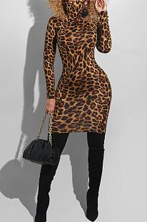 Casual Simplee midi-jurk met hoge hals en luipaard-gingham-ruit R6382