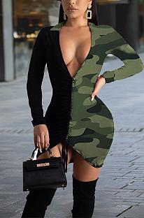Robe mi-longue sexy en polyester camouflage à manches longues et col en V épissé évider taille moyenne YM8083