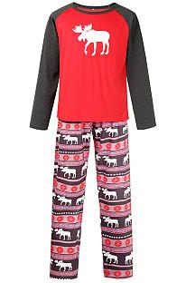 Pyjama familial à imprimé orignal de Noël