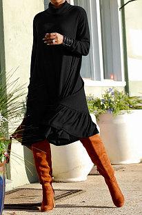 Robe à manches longues Falbala épissée à col haut et grand pendule de couleur pure D68063