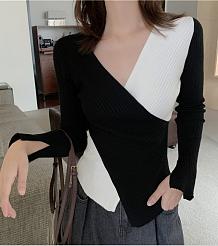 Черно-белый свитер с перекрестным крестом