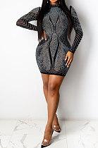 أزياء ليلة الرياح الحفر الساخنة الملونة فستان طويل الأكمام البسيطة WYFS3895