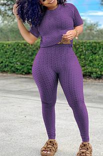 Combinaison de sport violette avec pantalon de yoga à manches courtes et col rond SN390071