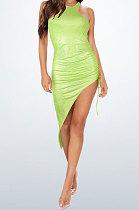 فستان قصير بلون أخضر نيون بلينغ بلينغ مزين بتفاصيل مزينة بزراعة المرء في نادي الأخلاق المخالفة WMZ2618