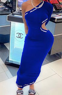 Модное повседневное платье с одним рукавом и буквами W8384