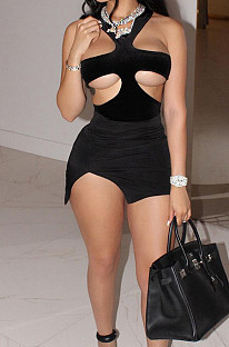 Модное мини-платье с узким вырезом на груди и запахом LYY9303