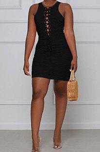 فستان قصير مكشكش لون نقي مكشكش TL6588