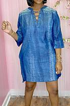 فستان نسائي كاجوال بنمط كاوبوي مطبوع بياقة على شكل V AYS076