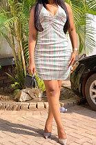 فستان قصير مثير بفتحة رقبة على شكل V بدون أكمام FA7187