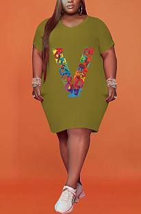 حجم كبير طباعة على شكل V فستان فضفاض بأكمام قصيرة HHB4027