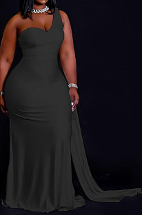 Black Women Pure Color Irregularity One Shoulder Simple Giant Swing  Plus Long Dress QHH8655-4