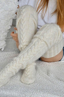 Knitted Thigh Hihg Socks in White WLW01-4