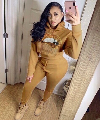 Khaki Women Thick Lip Print Hoodie Tops Elastic Pants Outfits LY5117