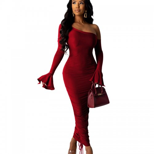 Wine Red Elegant Slim Pleated Solid Color Oblique Shoulder Long Dress SDD9207