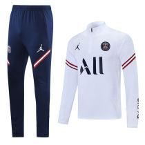 2021/22 PSG White Sweater Tracksuit 背后有广告