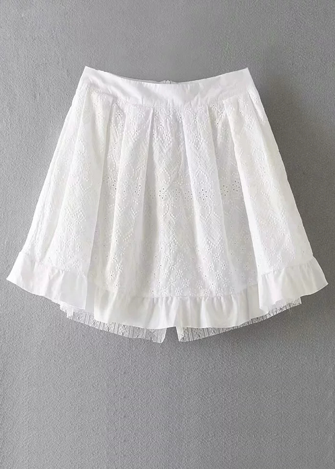 Embroidered Shorts in White