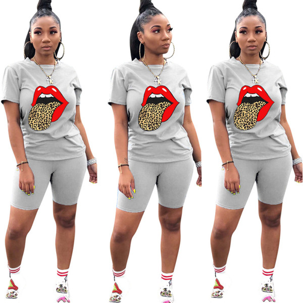 Q060511-6 Casual Tongue Butterfly Print Sport 2 Pcs Track Suit Outfits Two Piece Short Set For Women