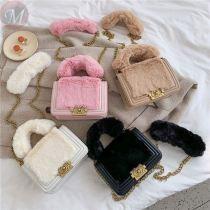 Fashion casual 2020 factory price trendy fur single shoulder women bags plush chain handbag