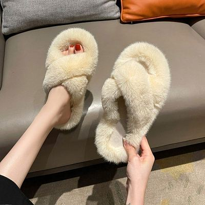 D12826 Solid color fashionable casual home flat cotton shoes 2021 new arrivals ladies white fluffy slippers