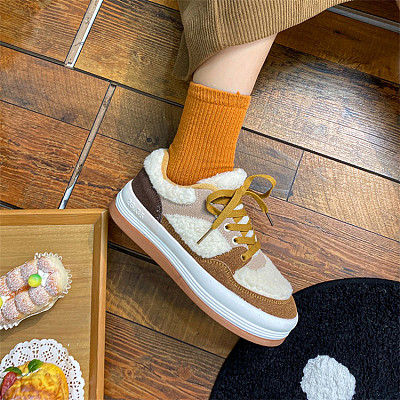 D12944 Fashionable and casual retro assorted colors keep warm antiskid 2021 winter trend flat shoes