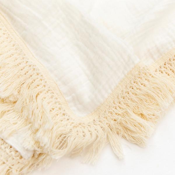 tassels yarn lace- sold by 1y