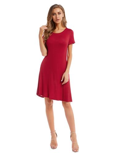 Woman  Solid Color Pleated Crewneck Midi Dress