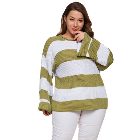 Large sweater with long sleeves and loose stripes