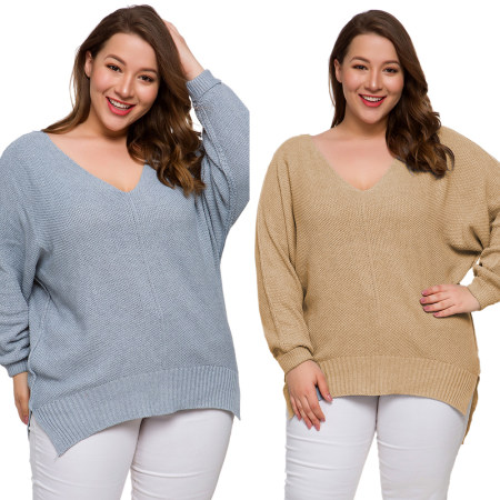 V-neck open-forked loose-sized knitted sweater