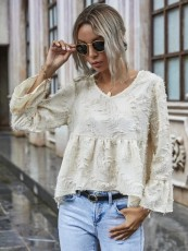 Solid color flared sleeve loose skin color lace shirt