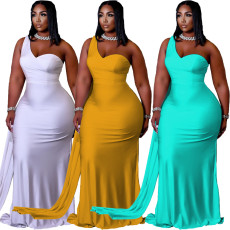 Solid irregular one shoulder swing dress