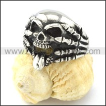 Stick Tongue Out Skull Ring r000838