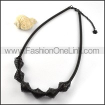 Fashion Black Interlocking Coil Necklace     n000023