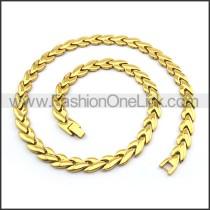 Golden Interlocking Heart Necklace n000892