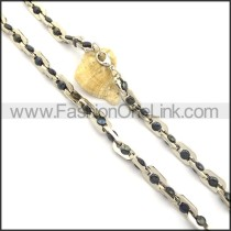 Delicate Black Beads and Silver Plated Necklace n000821