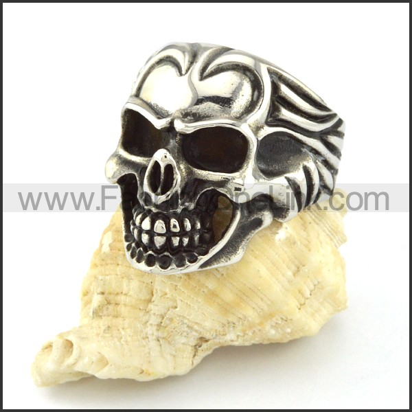 Stainless Steel Biker Skull Ring r000548