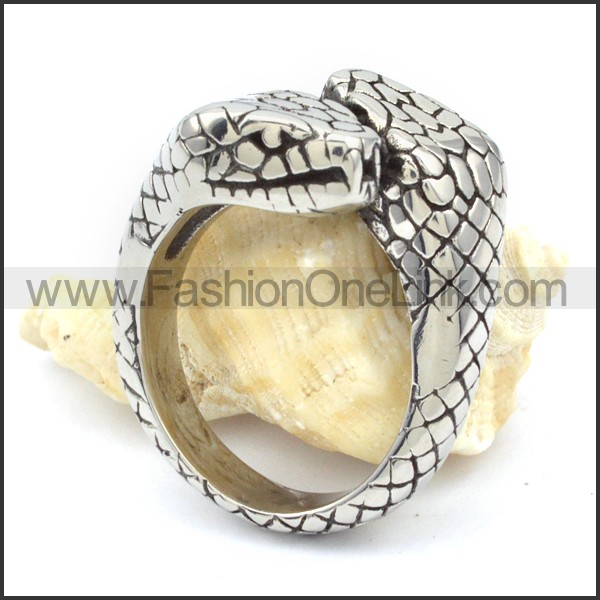 Stainless Steel Wicked Snake Ring r000329