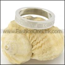 Delicate Classic Design Ring r001519