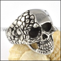 Stainless Steel Crease Skull Ring r000060
