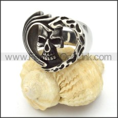Heart-shaped Skull Ring r000431