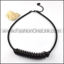 Black Interlocking Coil Necklace     n000024