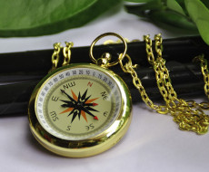 Fashion Gold Compass Pocket Watch Chain PW000060