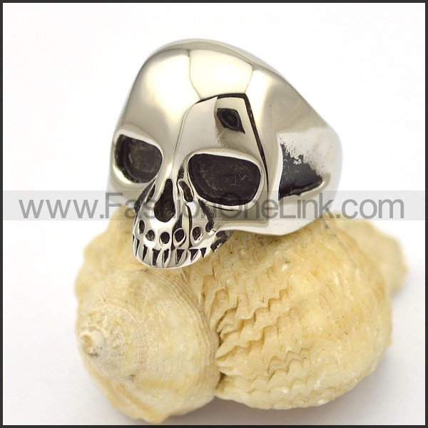 Delicate Skull Stainless Steel Ring r001657