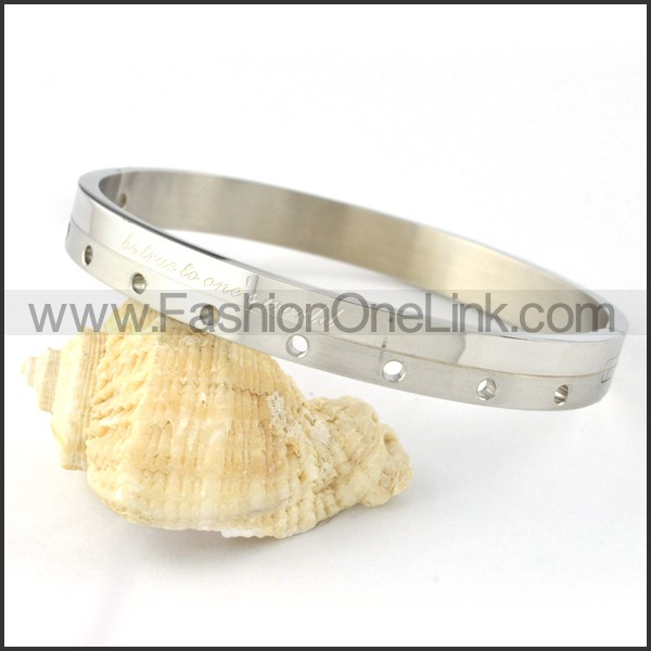 Silver Small Round Holes Couple Bangle b000428