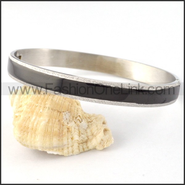 Black Plated Stainless Steel Couple Bangle b000425