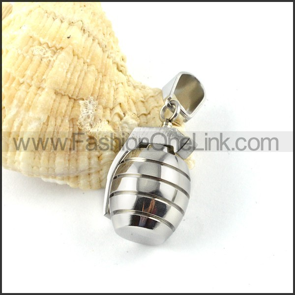 Exquisite Stainless Steel Casting  Pendant     p000342