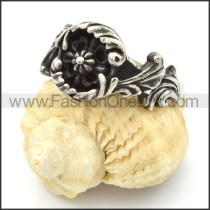 Stainless Steel Flower Design Ring r000436