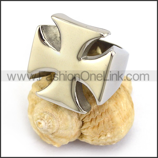 Stainless Steel Cross Ring      r003649